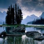 Spirit_Island,_Maligne_Lake,_Jasper_National_Park,_Alberta,_Canada