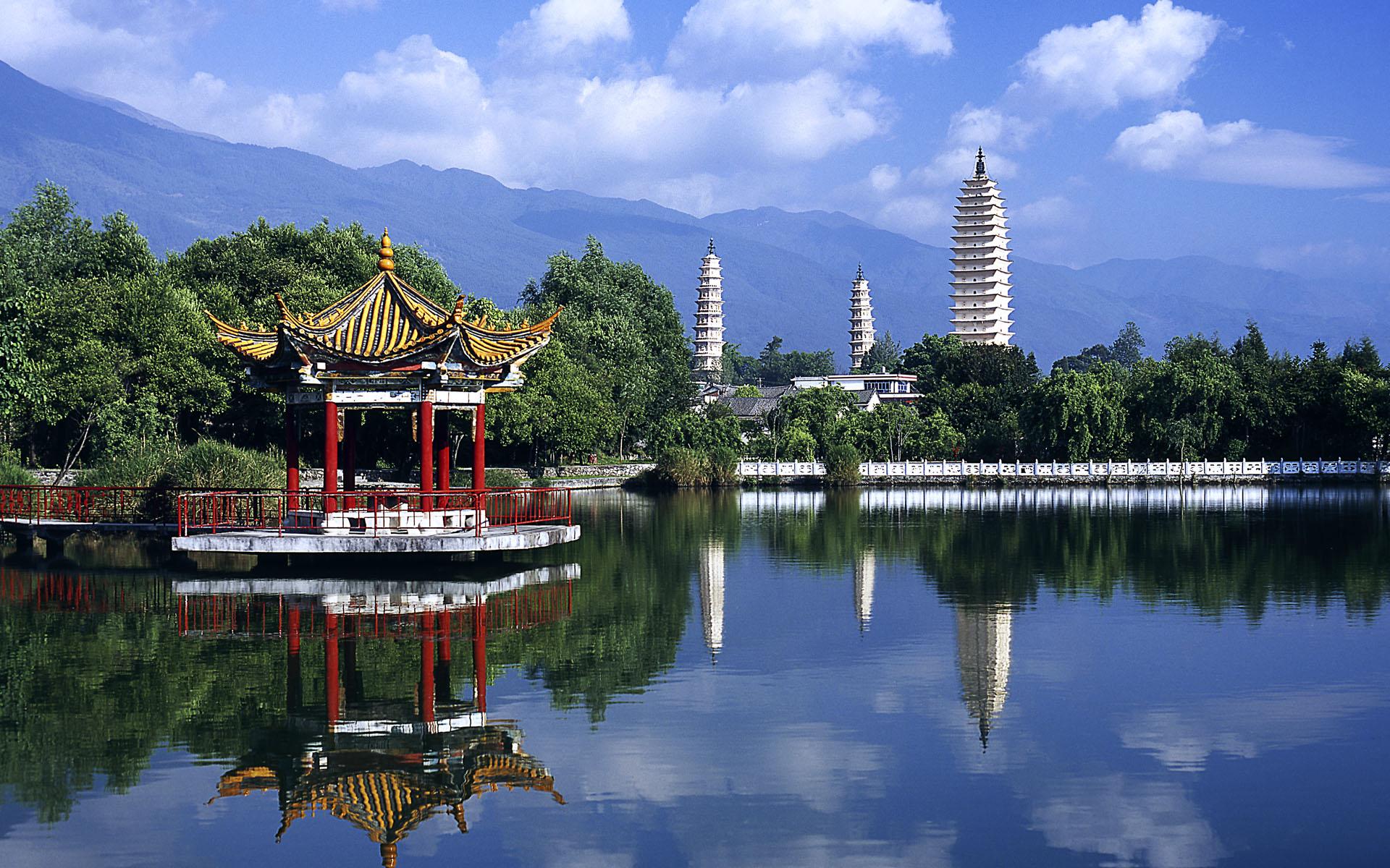 ???????? (Three Pagodas in Yunnan, China)